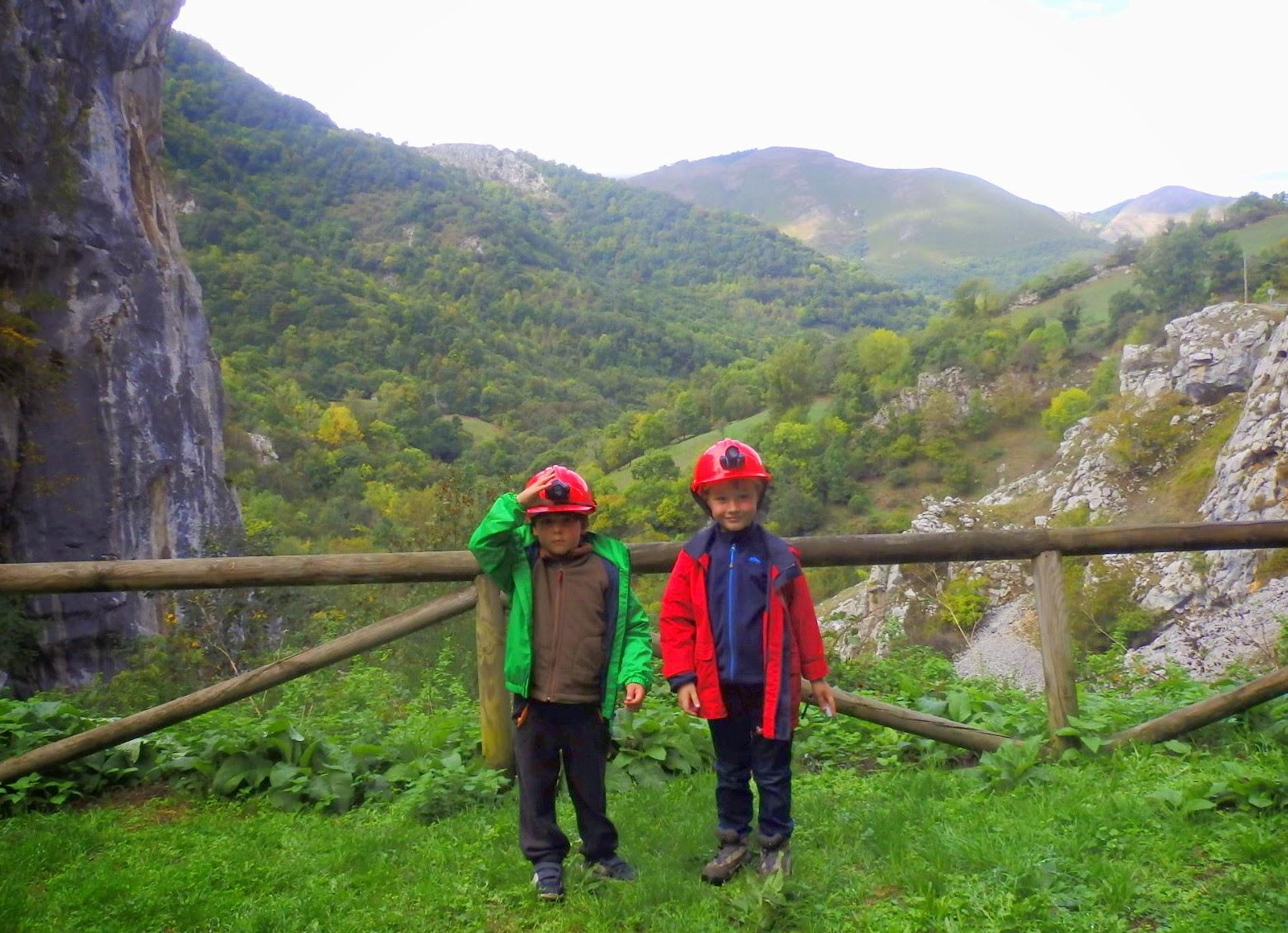 Asturias con niños: Cueva Huerta: a lo Tadeo Jones por Teverga