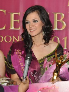Pemenang Miss Celebrity Indonesia 2011 - ndyteens.blogspot.com
