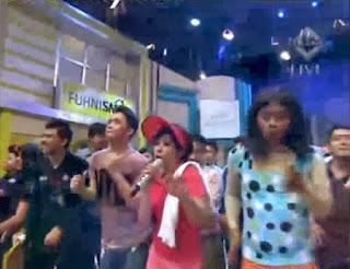 Lagu Oplosan dalam acara YKS TransTV menggantikan lagu Buka Sitik Joss