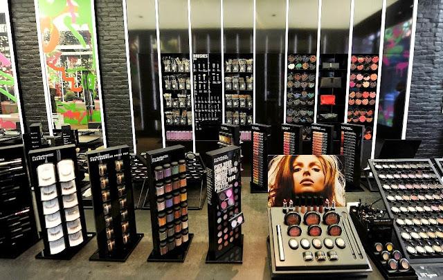 Onde comprar maquiagem em Paris