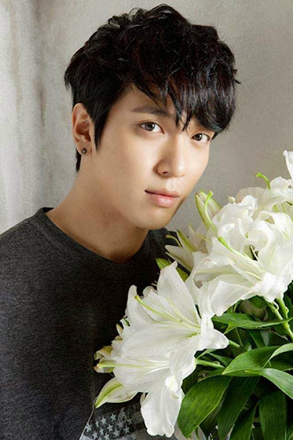 Jung Yong Hwa picture