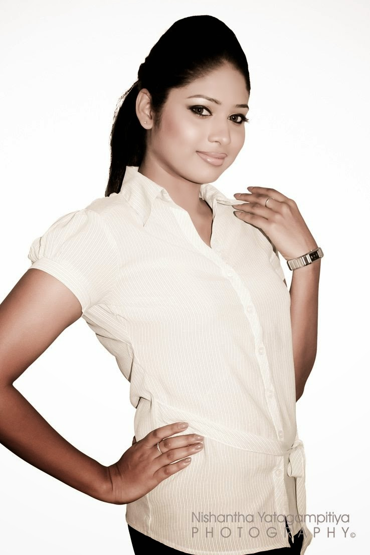 Lakshi Perera sl model