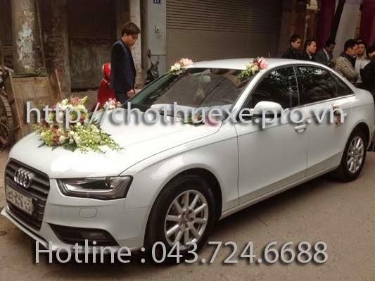 Cho thuê xe cưới màu trắng Audi A4 giá rẻ tại Hà Nội