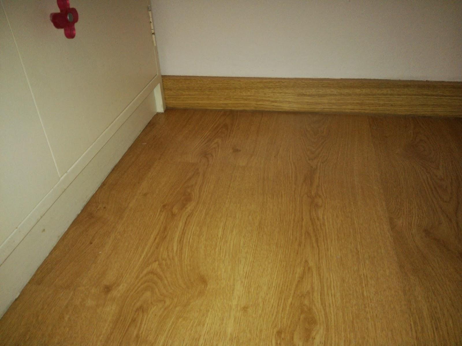 Como colocar suelo gua para instalar suelo vinlico con for Como instalar suelo laminado