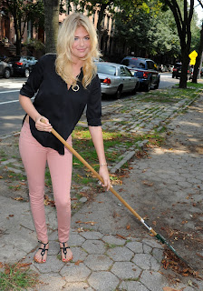 Kate Upton takes a part in a community event to clean the streets