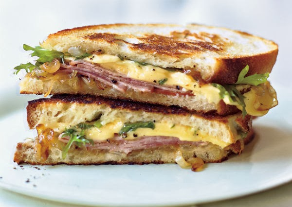 http://recipes.sandhira.com/kale-and-caramelized-onion-grilled-cheese.html