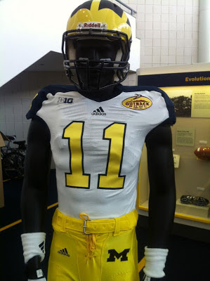 Michigan's Outback Bowl unis are lacking in excitment.