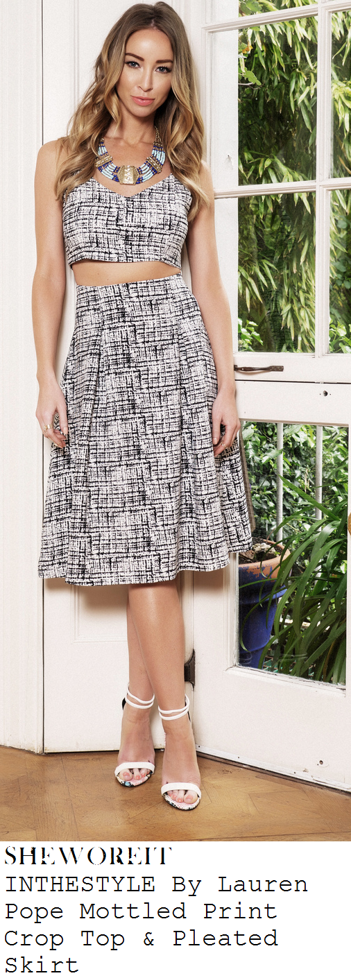 grace-andrews-black-and-white-graphic-line-print-crop-top-and-midi-skirt-polo