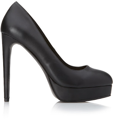 Forever 21 black high heeled closed pumps