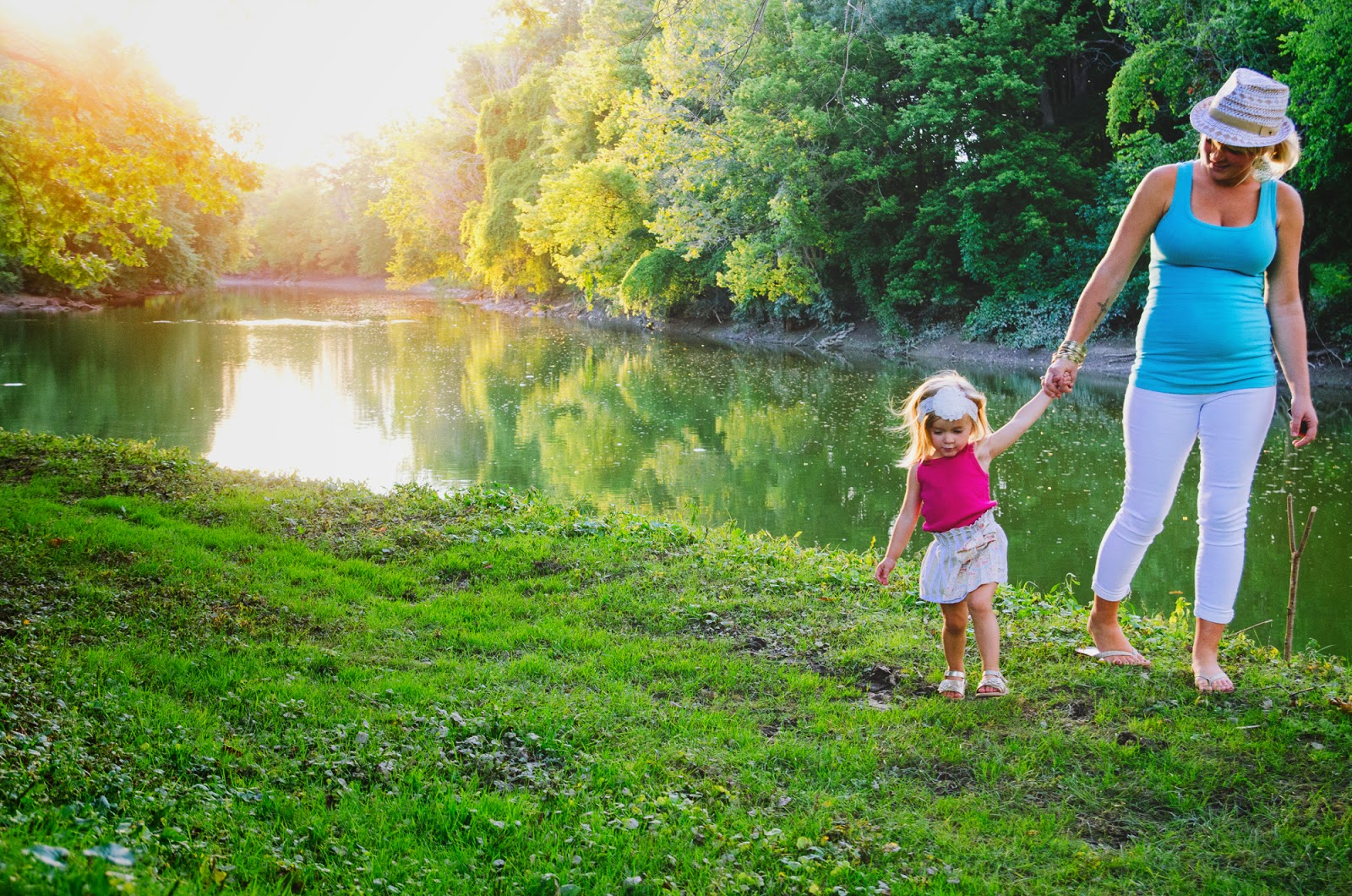 indianapolis family photographer sunset by the river