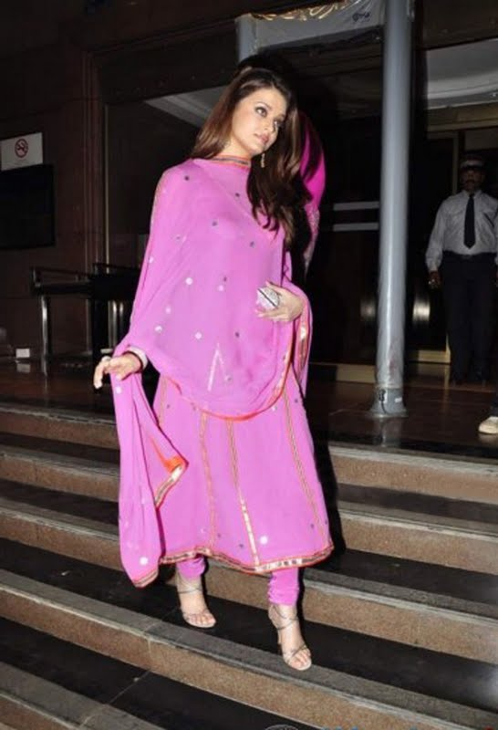 Bollywood actress Aishwarya Rai in light pink georgette anarkali full