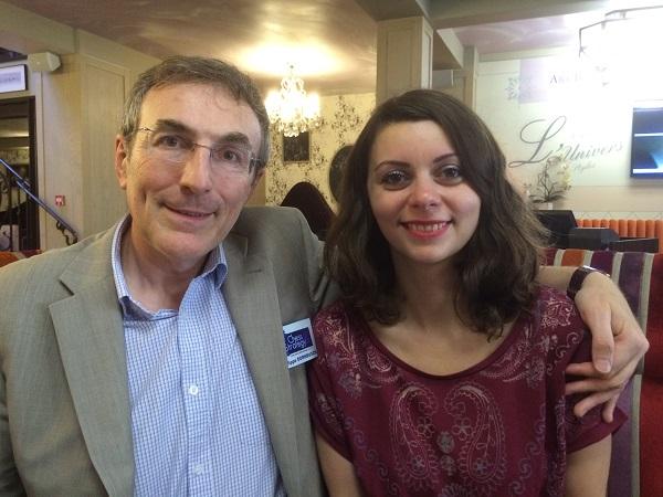 la double championne de France d'échecs Nino Maisuradze en compagnie de Philippe Dornbusch, Directeur d'Échecs & Stratégie