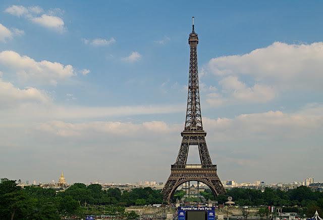 Tour Eiffel vue depuis le Palais de Chaillot Paris image