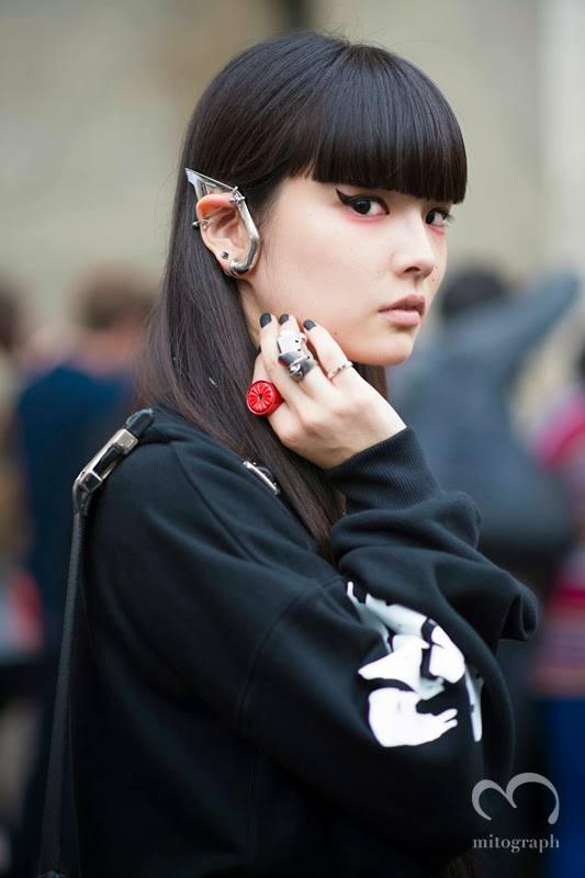 mitograph Kozue Akimoto 秋元梢 Before Undercover アンダーカバー Paris Fashion Week 2014 Spring Summer Street Style Shimpei Mito