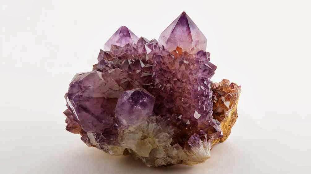 Geodas y asociaciones minerales