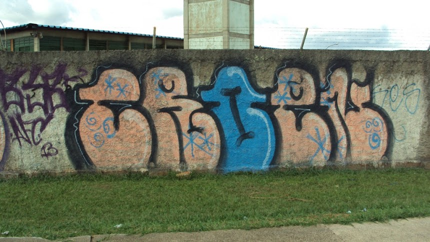 CROEN graffiti com borrifador