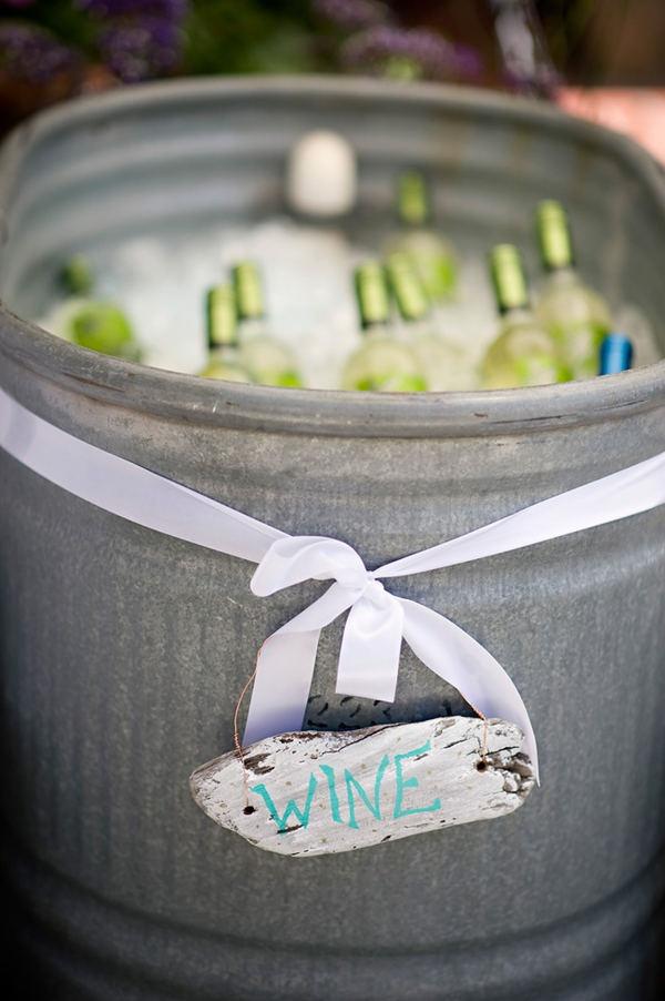Cubo de metal para enfria el vino