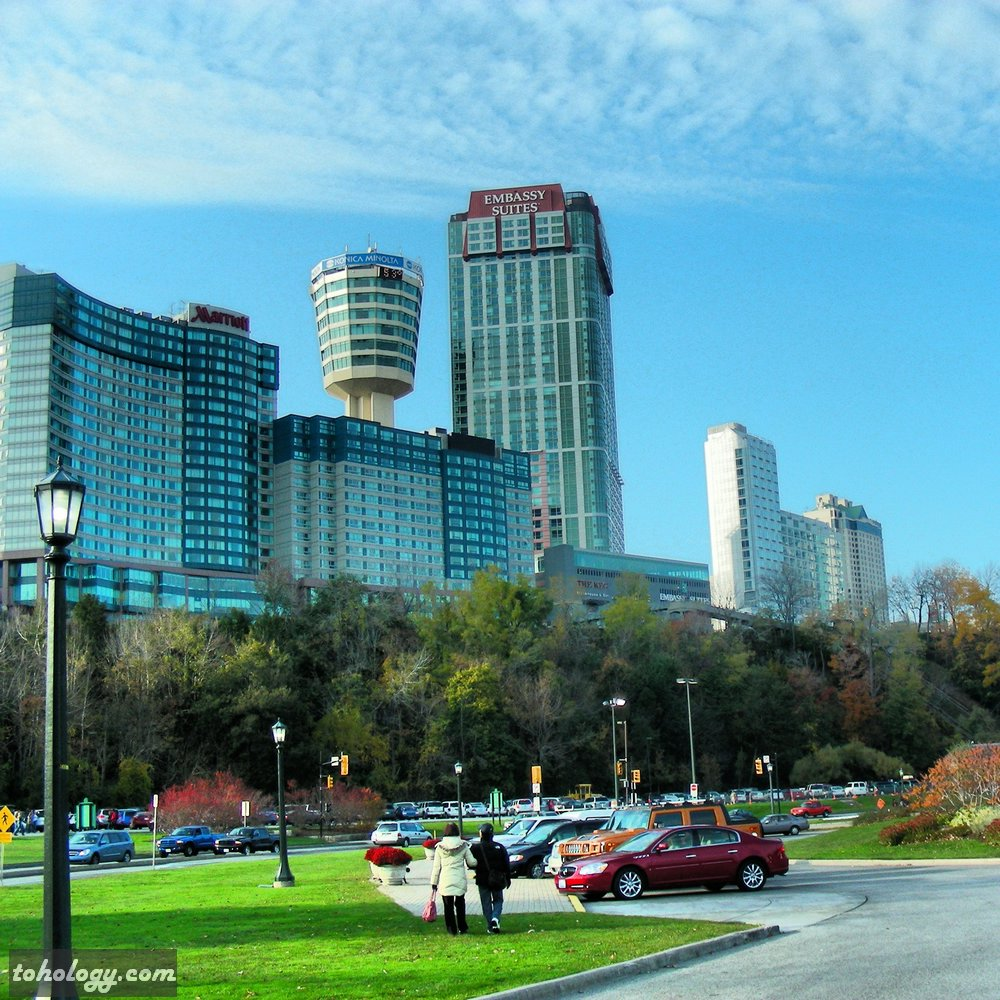Niagara Falls (Canadian side) (view to Marriott Fallsview Hotel & Embassy Suites Hotel)