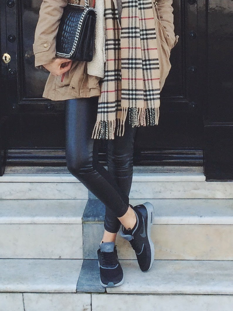 zara croco city bag, zara flap bag, zara leather leggings, burberry tartan scarf, tartan print scarf, nike trainers, london street style, london blogger