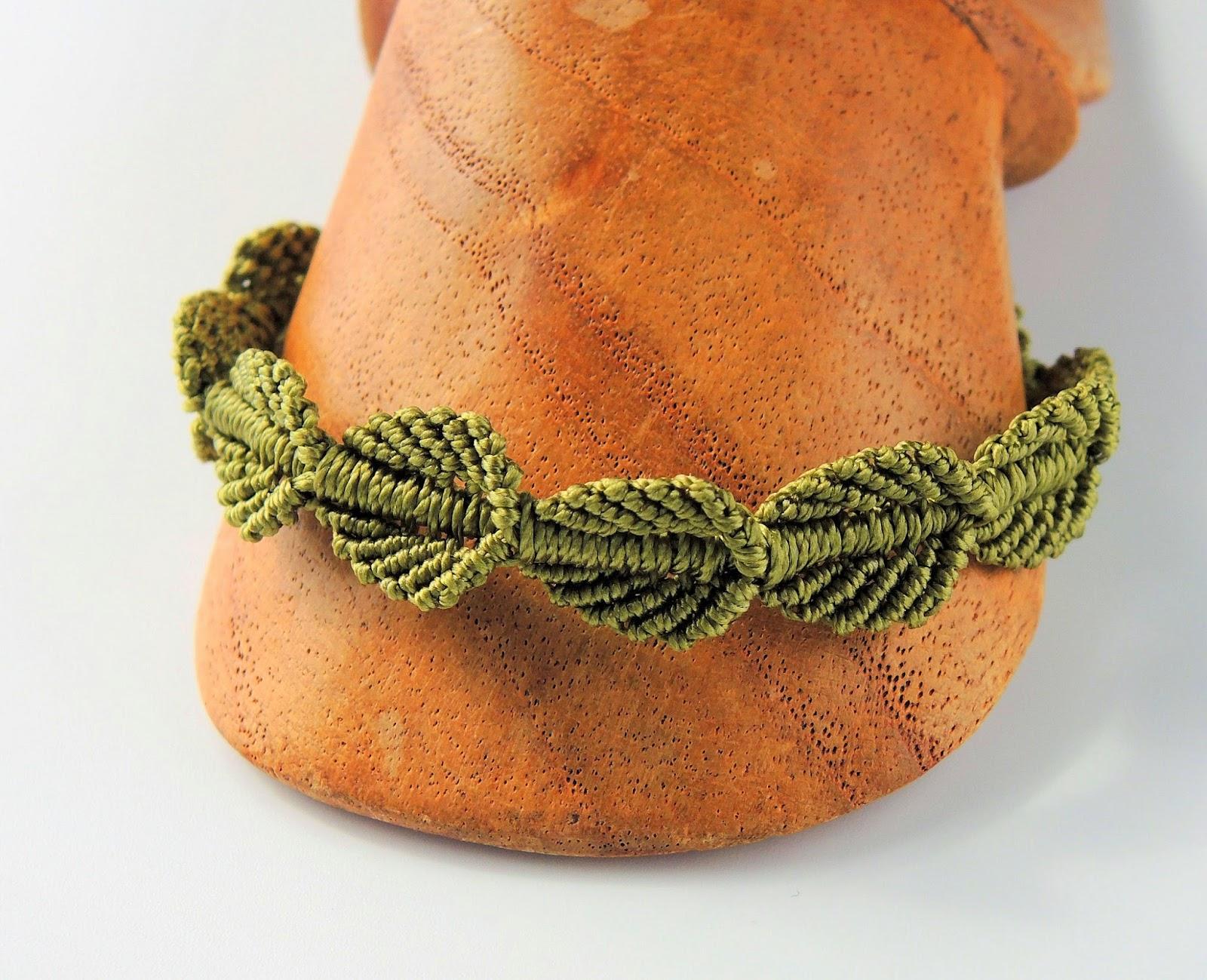 Falling Leaves micro macrame bracelet - pattern by Sherri Stokey.