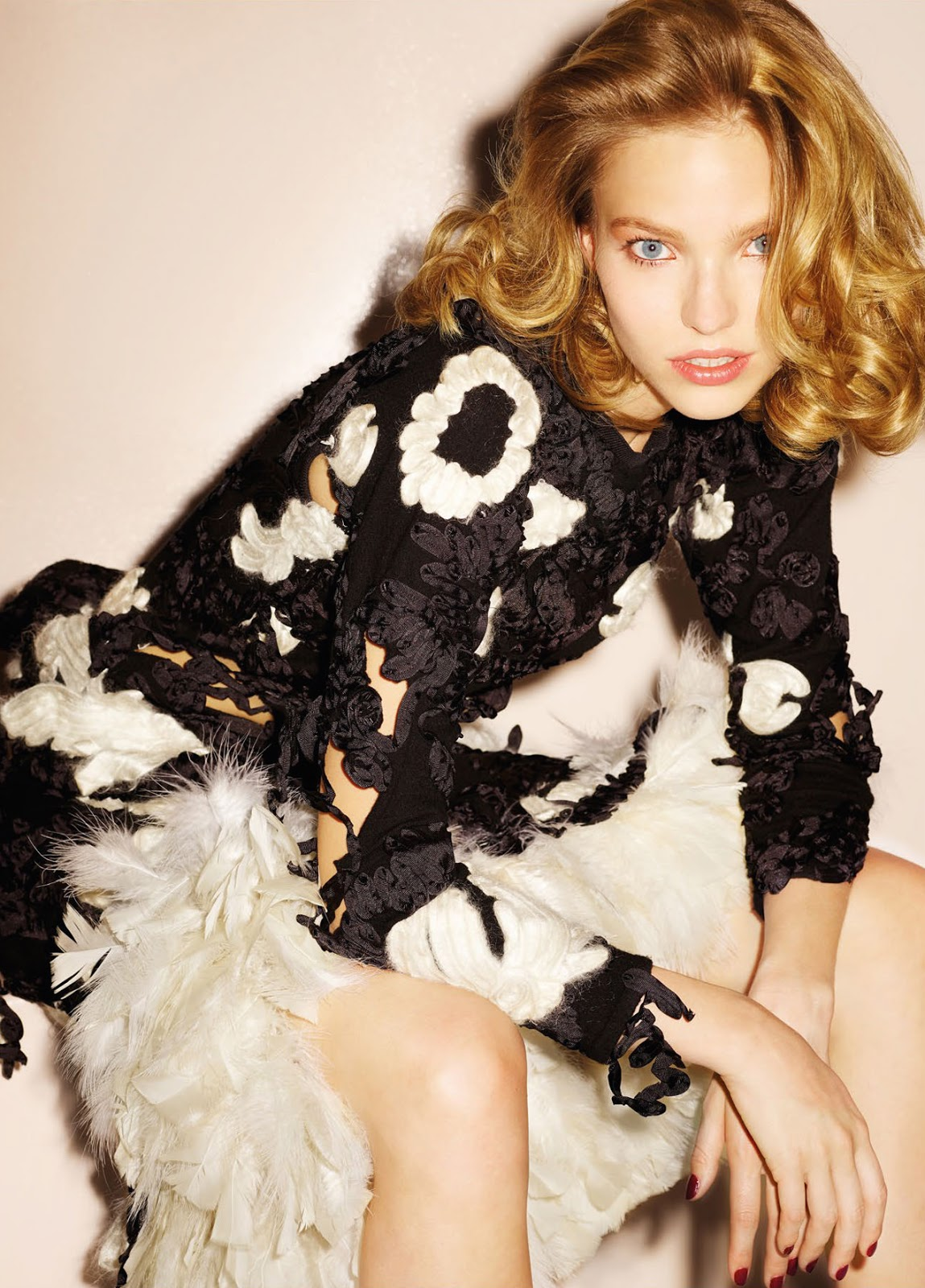 Sasha Luss by Ezra Petronio for Vogue China, October 2015 2.jpg