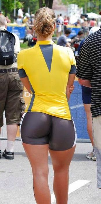 Hot and Sexy Tight Fit Sporty Girls Photos