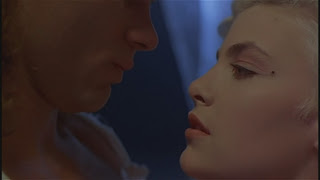 Sherilyn Fenn Richard Tyson Two Moon Junction 1988 movieloversreviews.blogspot.com