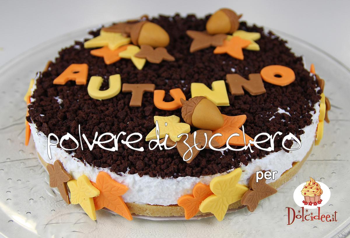 tutorial per dolcidee.it: torta a tema autunno, torta biscotto e decorazioni in pasta di zucchero