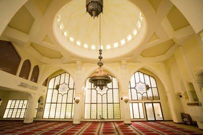 la junta muslim personals Muslim dating is not always easy – that's why elitesingles is here to help meet  marriage-minded single muslims and find your match here.