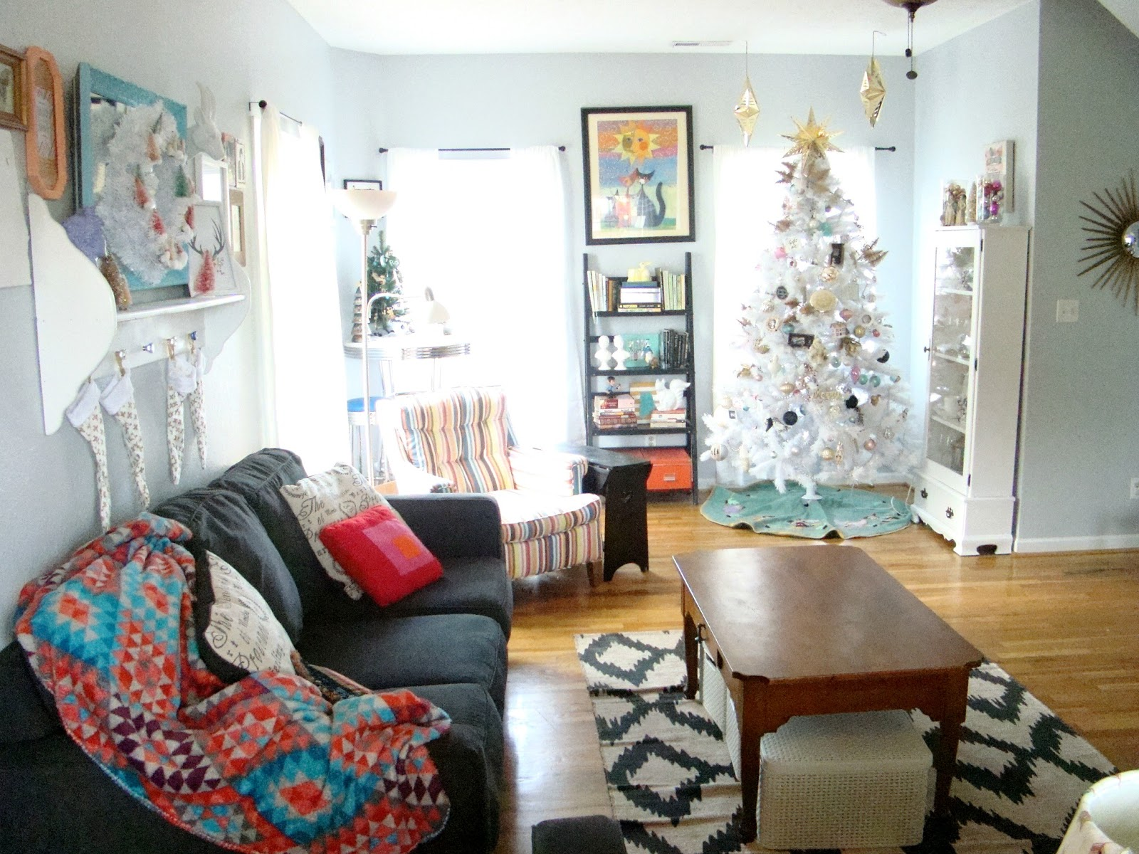 Southern Bluebird Day: Simple Vintage Modern Christmas Home Tour