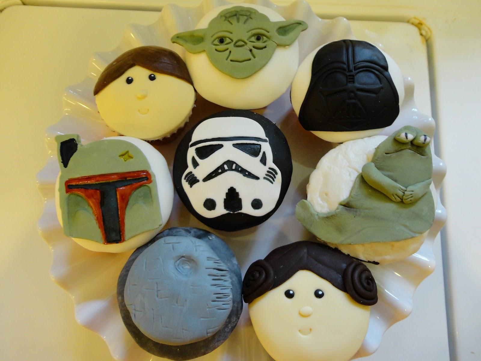 Star Wars Stormtrooper Cupcake Tutorial
