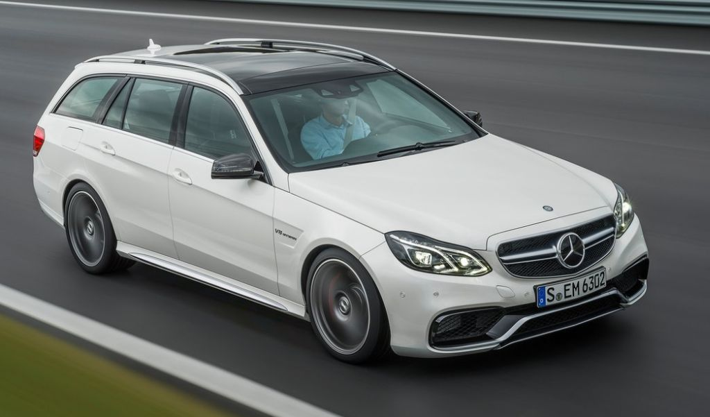 Cockpit autom vel conte dos auto mercedes benz lan a 19 for Mercedes benz modelos