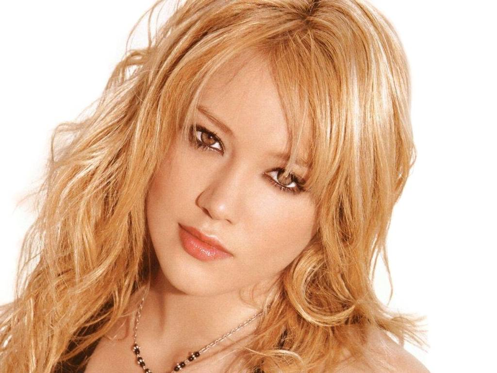 hilary duff 10 News Coca cola Brad Pitt Money Sex Porn Music Movies Football basketball cnn