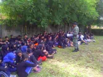 Siswa SMK Mahardika Dapat Pelatihan LDK dari oramil 02/Beji