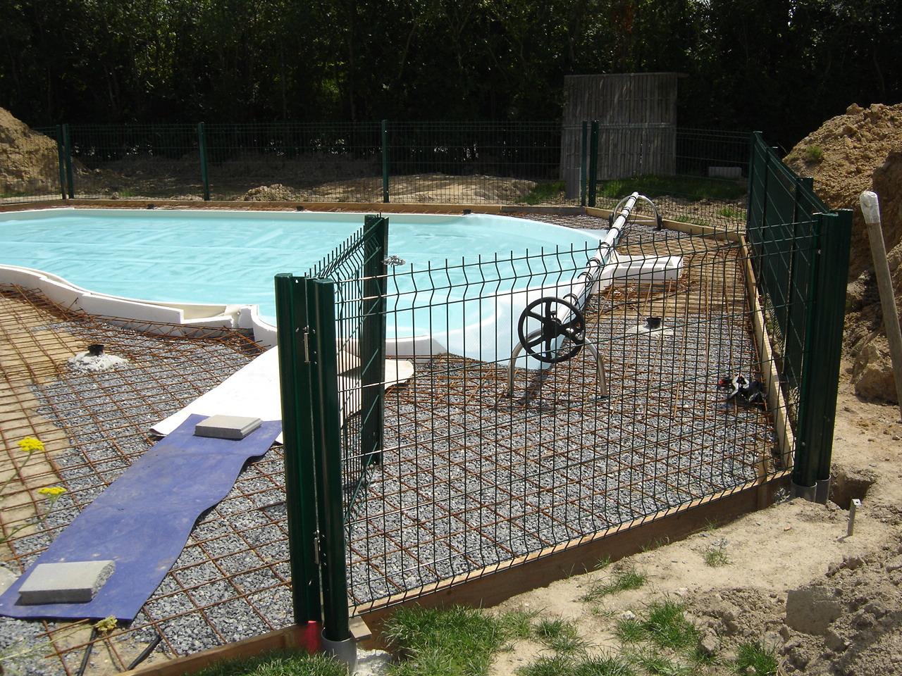Waterair madeleine 8 piscine et terrasse terminees for Portillon terrasse