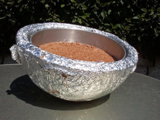Experimento con chocolate derretido con energia solar