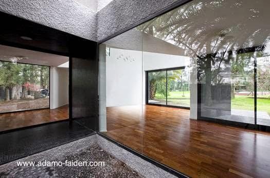 Ángulo de la moderna casa de Buenos Aires