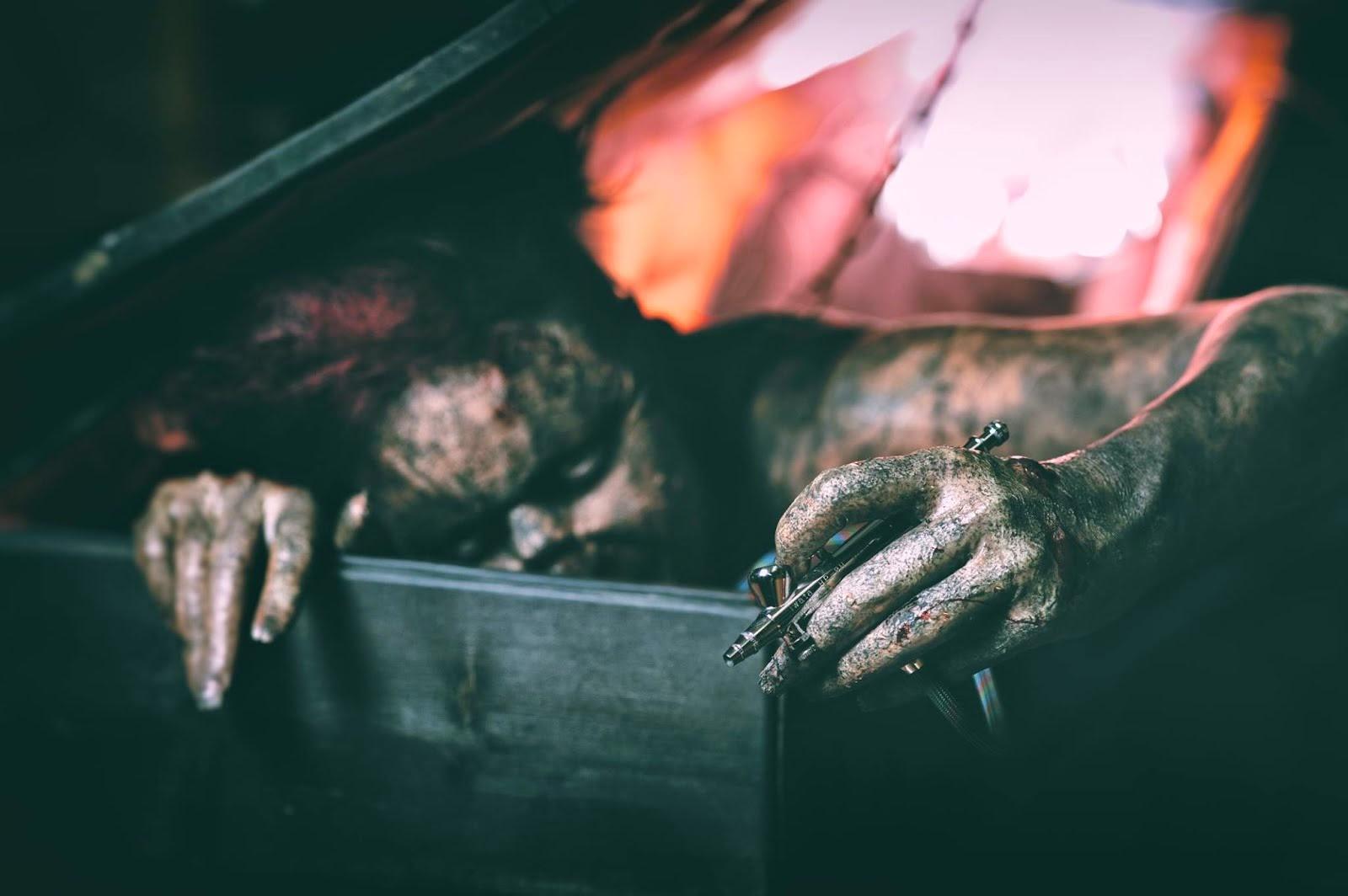 Satu Tabell. Zombie/efekti-maskeeraus: Ari Savonen.