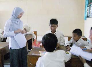 Kurikulum 2013 dengan Kompetensi Sikap, Keterampilan dan Pengetahuan