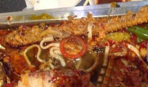 Pelanggan Restoran Menemukan Kondom di Calamari Meal