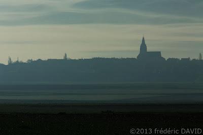 silhouettes village nuages ciel bas ombres campagne Seine-et-Marne