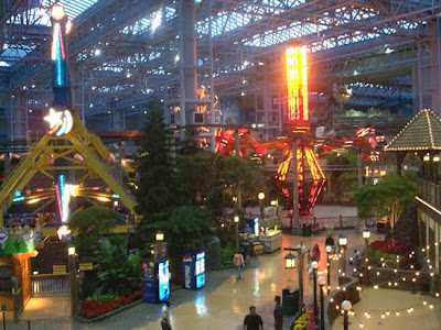 The most popular American travel place is Mallofamerica-photos moa
