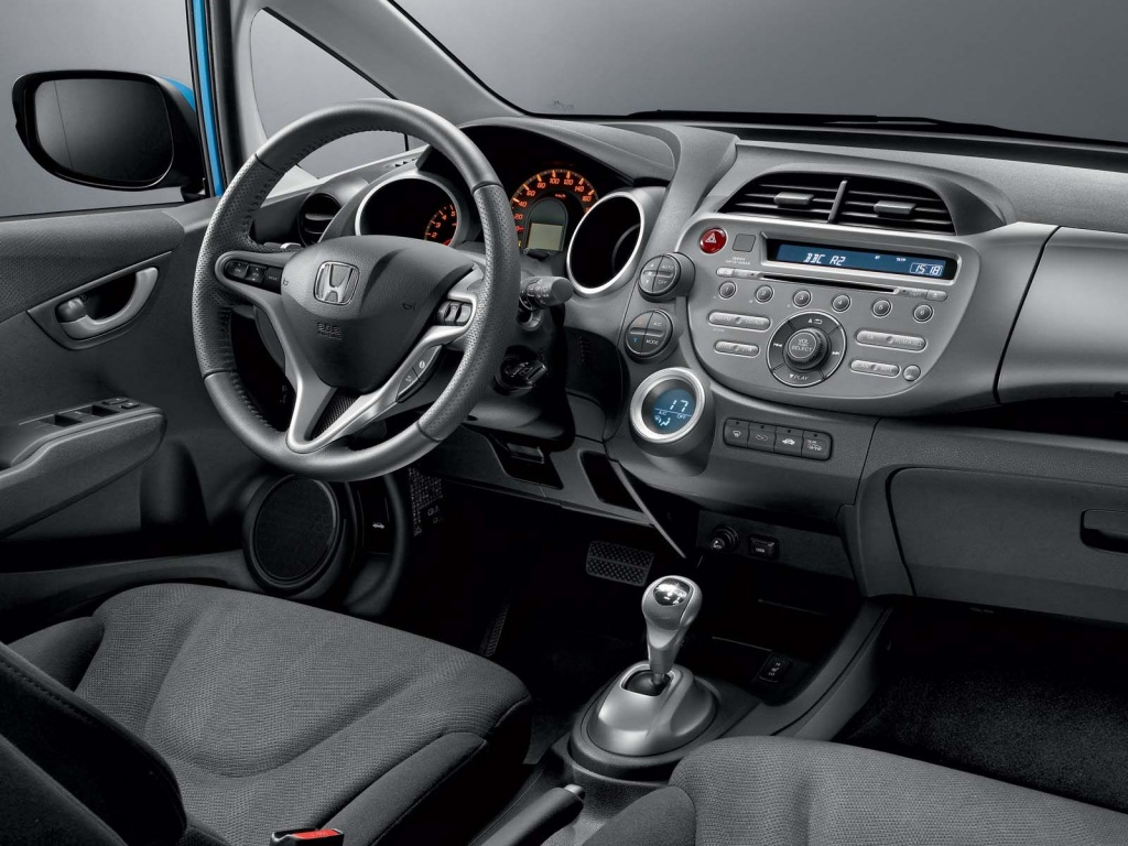 The world sports cars: honda jazz interior