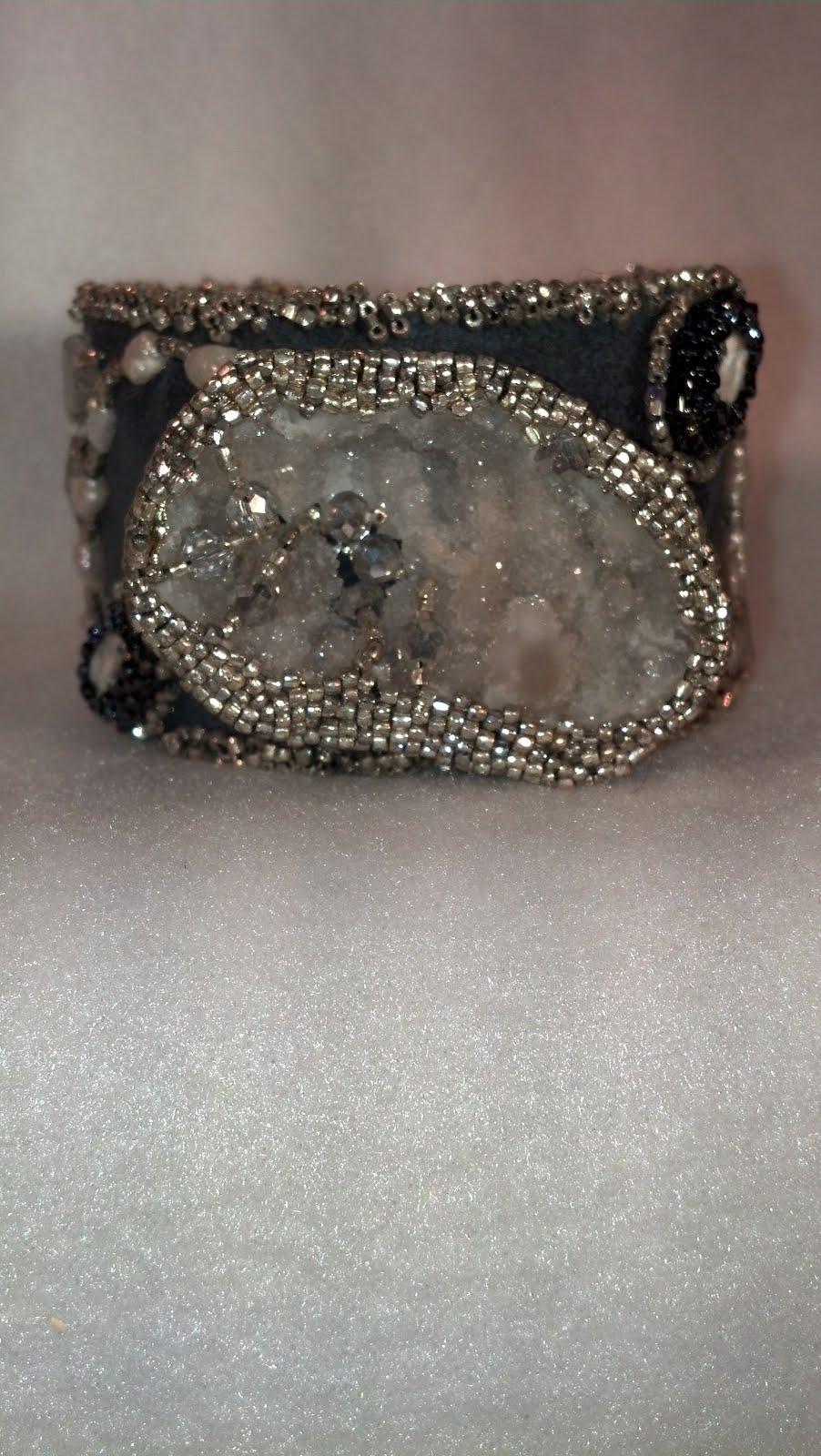 Druzy crystal cuff