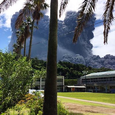 video amatir letusan gunung shindake jepang