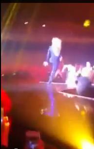 Beyoncé leva tapa durante concerto e expulsa fã do espetáculo