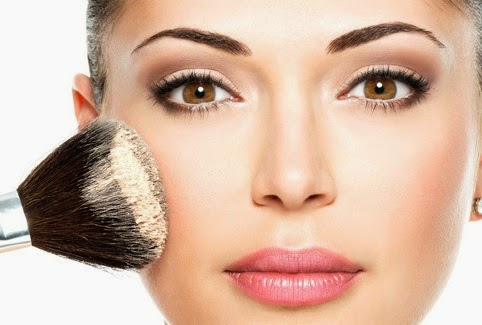 Quick Makeup Tips for Busy Women