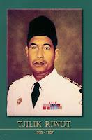gambar-foto pahlawan nasional indonesia, Tjilik Riwut