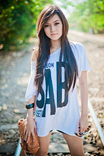 &#3633;&#3638;&#3656;  &#3656;&#3633; Myanmar Pretty Model : Khin Thazin