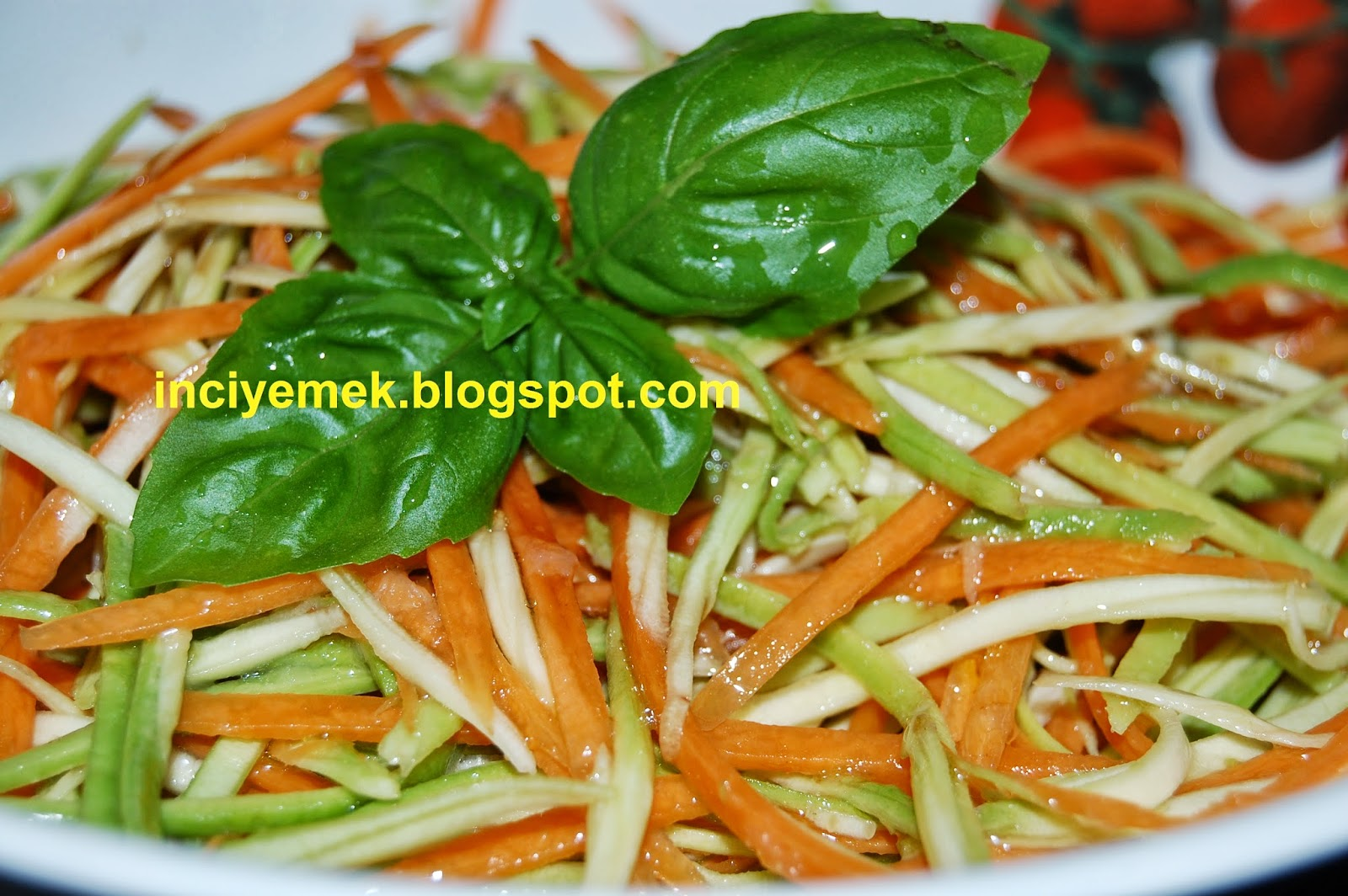Havuçlu Kabak Salatası